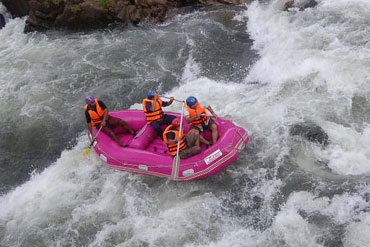White Water Rafting in Kitulgala