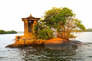 Places to see in Sri Lanka Madu Ganga River